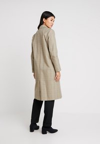 Selected Femme - SLFLYDIA COAT - Frakker / klassisk frakker - birch/brown - 2