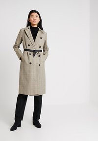 Selected Femme - SLFLYDIA COAT - Frakker / klassisk frakker - birch/brown - 1