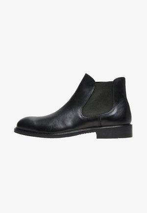 CHELSEA - Kotníkové boty - black