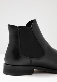 Selected Homme - SLHLOUIS CHELSEA BOOT  - Bottines - black - 5