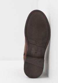Selected Homme - SLHTERREL BOOT - Botki sznurowane - cognac - 4