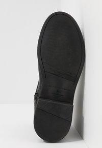 Selected Homme - SLHTERREL BOOT - Šněrovací kotníkové boty - black - 4