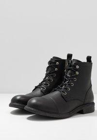 Selected Homme - SLHTERREL BOOT - Šněrovací kotníkové boty - black - 2