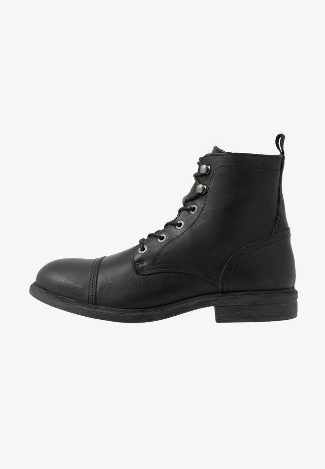SLHTERREL BOOT - Šněrovací kotníkové boty - black