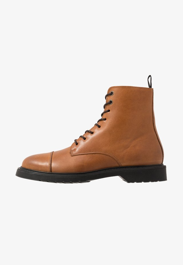SLHTONY BOOT - Lace-up ankle boots - cognac