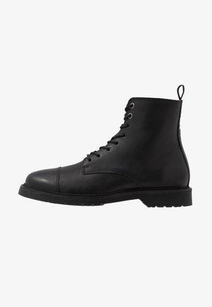 SLHTONY BOOT - Šněrovací kotníkové boty - black