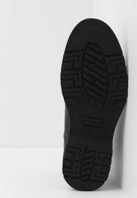 Selected Homme - SLHTONY CHELSEA BOOT - Kotníkové boty - black - 4