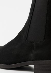 Selected Homme - SLHJOHN BOOT  - Classic ankle boots - black - 5
