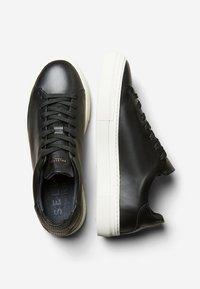 Selected Homme - Sneakersy niskie - black - 1