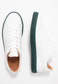 Selected Homme - SLHDAVID CONTRAST SOLE TRAINER - Baskets basses - rosin - 1