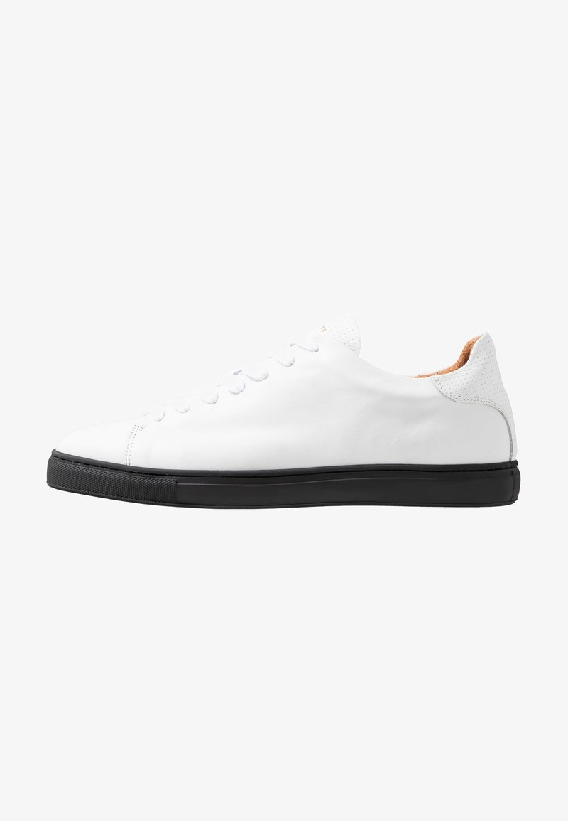 Selected Homme - SLHDAVID CONTRAST SOLE TRAINER - Sneakers - black