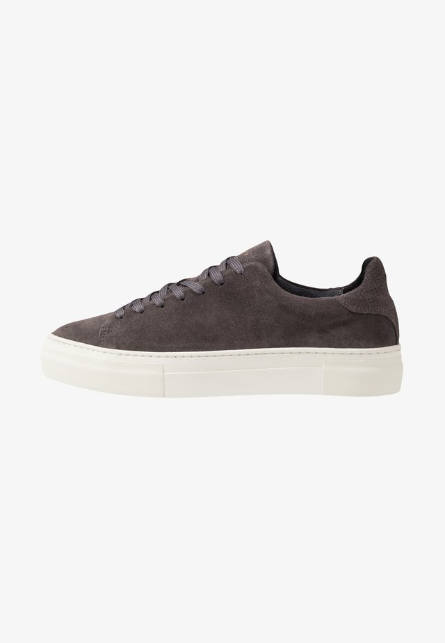 SLHDAVID CHUNKY TRAINER - Sneakersy niskie - dark grey