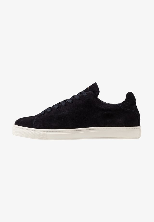 SLHDAVID PERFORATED TRAINER - Sneakers - dark navy