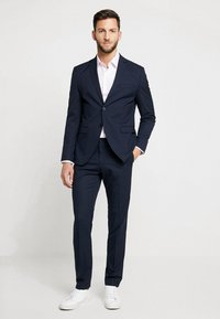 Selected Homme - SHDNEWONE MYLOLOGAN SLIM FIT - Suit - navy blazer - 0