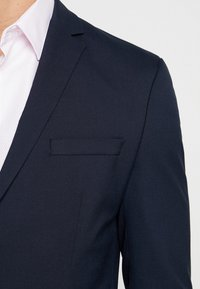 Selected Homme - SHDNEWONE MYLOLOGAN SLIM FIT - Suit - navy blazer - 6