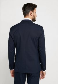 Selected Homme - SHDNEWONE MYLOLOGAN SLIM FIT - Suit - navy blazer - 3