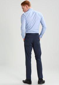 Selected Homme - SHDNEWONE MYLOLOGAN SLIM FIT - Oblek - medium blue melange - 4