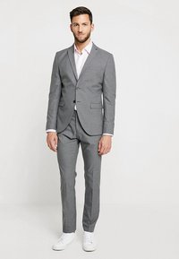 Selected Homme - SHDNEWONE MYLOLOGAN SLIM FIT - Oblek - medium grey melange - 0
