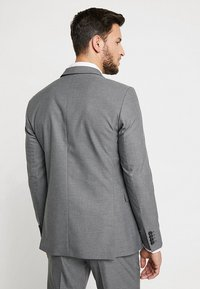 Selected Homme - SHDNEWONE MYLOLOGAN SLIM FIT - Oblek - medium grey melange - 3
