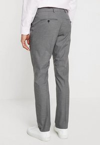 Selected Homme - SHDNEWONE MYLOLOGAN SLIM FIT - Oblek - medium grey melange