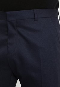 Selected Homme - SLHSLIM FIT ACECHACO SUIT - Traje - dark navy - 8