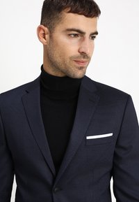 Selected Homme - SLHSLIM FIT ACECHACO SUIT - Traje - dark navy - 6