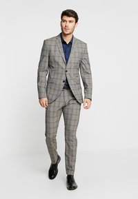 Selected Homme - SLHSLIM RICLOGAN CHECK SUIT - Costume - sand - 1