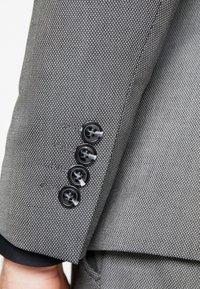Selected Homme - SLHSLIM MYLOLOGAN SUIT - Oblek - dark grey melange - 8