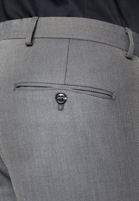 Selected Homme - SLHSLIM MYLOLOGAN SUIT - Oblek - dark grey melange - 7