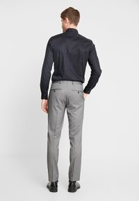 Selected Homme - SLHSLIM MYLOLOGAN SUIT - Oblek - dark grey melange - 5