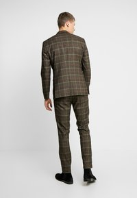 Selected Homme - SLHSLIM MYLORANK SUIT  - Oblek - camel/red - 3