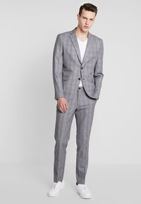 Selected Homme - SLHSLIM MYLOBEND CHECK SUIT - Oblek - grey - 1