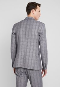 Selected Homme - SLHSLIM MYLOBEND CHECK SUIT - Oblek - grey - 3