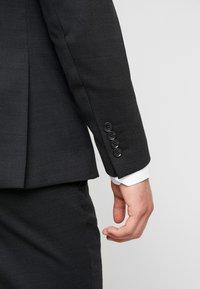 Selected Homme - SLHSLIM REX TUX SUIT - Costume - dark grey melange - 6
