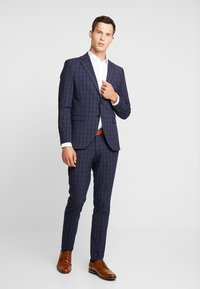 Selected Homme - SLHSLIM MYLOLOGAN SUIT - Oblek - navy blue/grey - 1