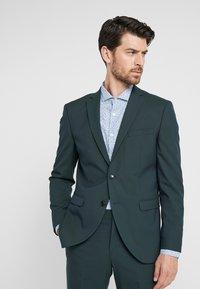Selected Homme - SLHSLIM MYLOLOGAN SPRUCE SUIT  - Suit - darkest spruce - 2