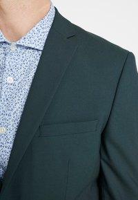 Selected Homme - SLHSLIM MYLOLOGAN SPRUCE SUIT  - Suit - darkest spruce - 8