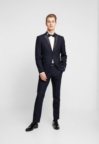 Selected Homme - SLHSLIM-TIGALOGAN TUX SUIT - Kostuum - dark navy - 0