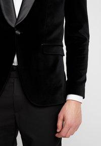 Selected Homme - SLHSLIM-HICKVELVET  - Marynarka - black - 4
