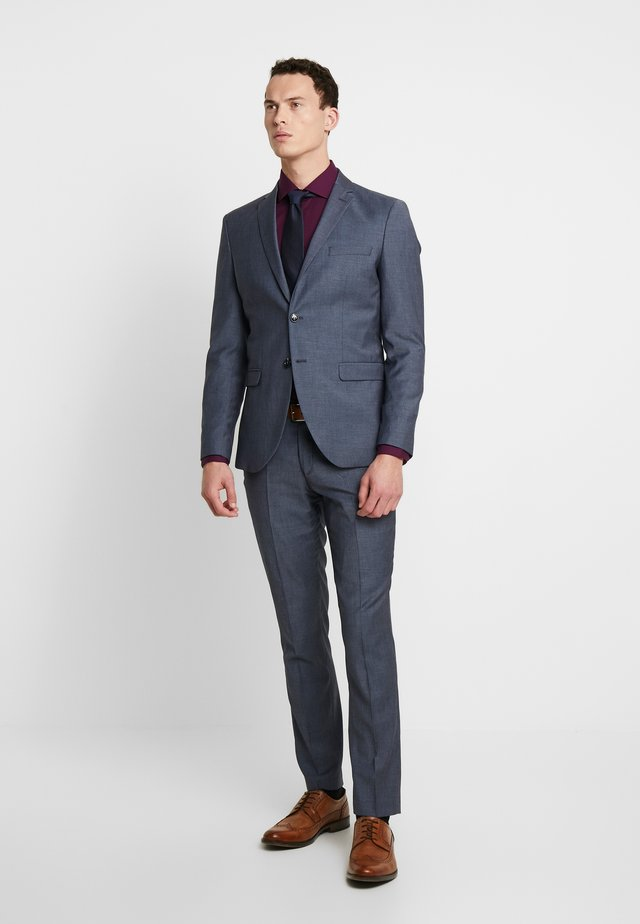 SLHSLIM MYLOBILL LT SUIT - Oblek - light blue