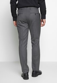 Selected Homme - SLHSLIM MYLOHAZE SUIT  - Oblek - grey - 5