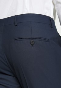 Selected Homme - SLHSLIM MYLOHOLT NAVY SUIT  - Suit - navy - 11