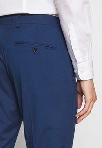 Selected Homme - SLHSLIM MYLOLOGAN SUIT - Completo - blue - 9