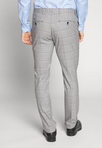 Selected Homme - SLHSLIM EMIL CHECK SUIT - Oblek - light gray/blue - 5