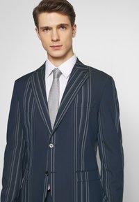 Selected Homme - MYLOLOGAN  - Colbert - navy blazer/white - 6