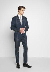 Selected Homme - MYLOLOGAN  - Colbert - navy blazer/white - 1