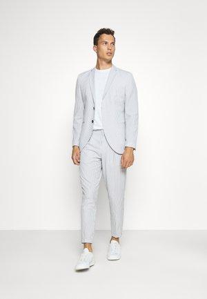 SLHSLIM YONG WHITE STRIPE SUIT - Garnitur - white/blue