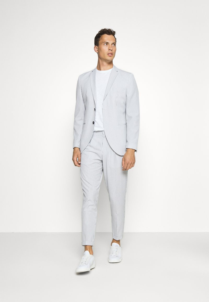 Selected Homme - SLHSLIM YONG WHITE STRIPE SUIT - Completo - white/blue