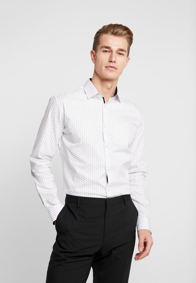 SHDONENEW MARK SLIM FIT - Businesshemd - white/light blue