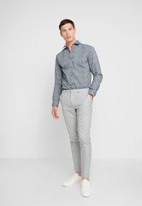 Selected Homme - SHDONENEW MARK SLIM FIT - Formal shirt - dark sapphire - 1